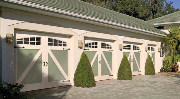 "alt=""amarr carriage style garage door."""